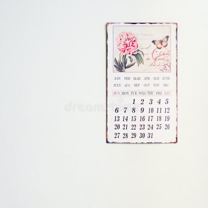 Kalender op een muur royalty-vrije stock afbeelding