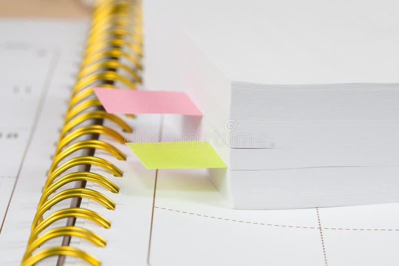 Kalender- und Notizanmerkung lizenzfreie stockbilder