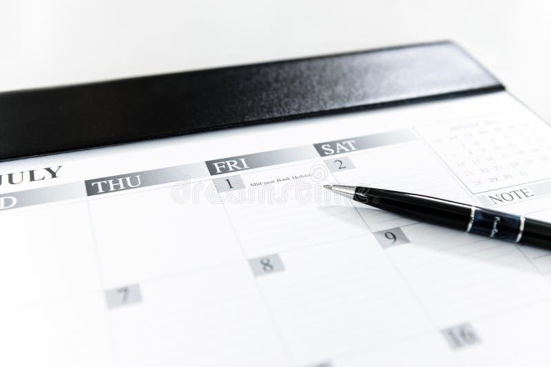 Kalender-Zeitplan-am 1. Juli - Jahresmitte-Weihnachtsfeiertag, Thailand stockbilder