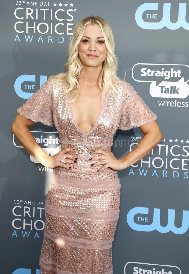 Kaley Cuoco fotos de stock