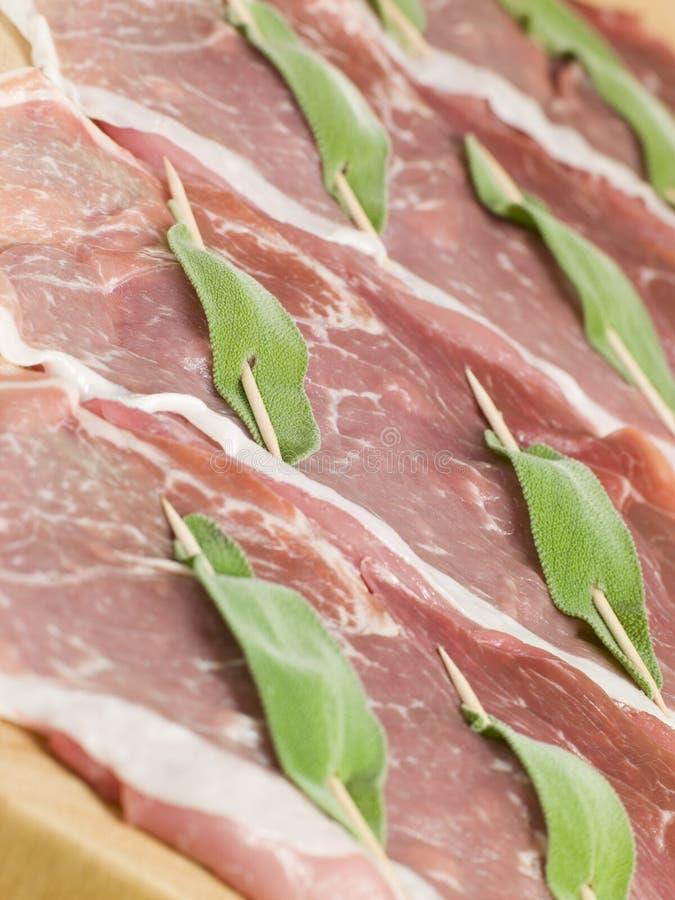 Kalfsvlees Saltimbocca stock afbeelding
