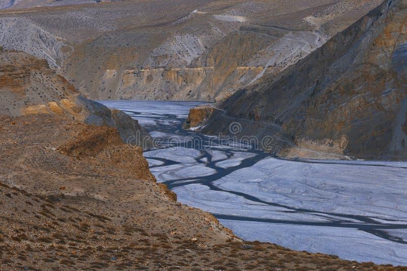 Kali Gandaki River en Himalaya inférieur du Népal de mustang photographie stock libre de droits