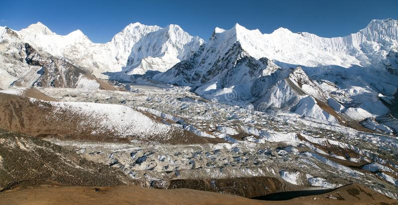 Kali Himal, montanha bonita no vale de Khumbu imagens de stock
