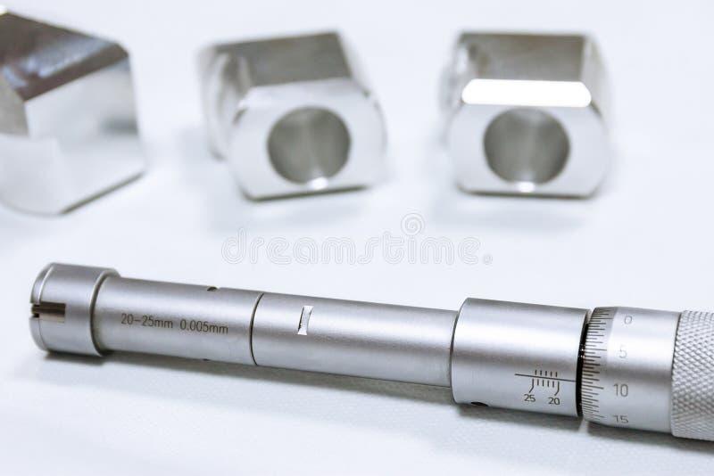 Kalibratie - Boermicrometer Apparaat voor het nauwkeurig meten van de diameter van de opening stock afbeeldingen