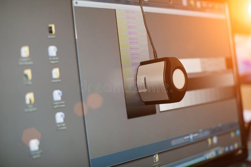 Kalibrierung der Anzeige eines Computers, Nahaufnahme stockbild