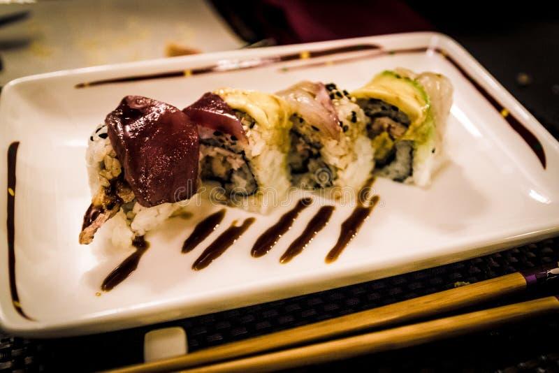 Kalifornia rolki przy japońską restauracją obraz royalty free