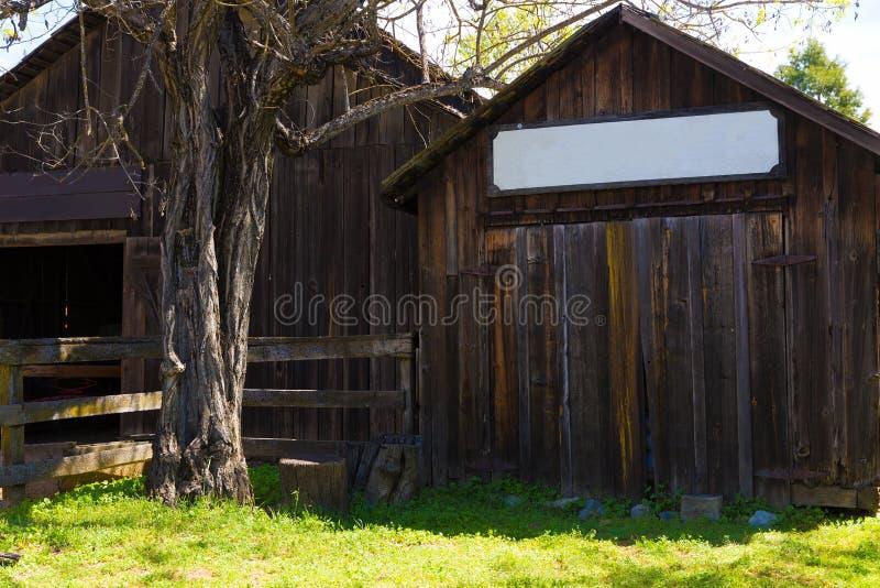 Kalifornien Columbia en verklig gammal västra guldruschstad arkivfoton