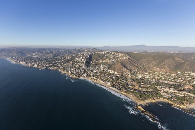 Kalifornien-Küsten-Laguna Beach-Antenne stockbilder