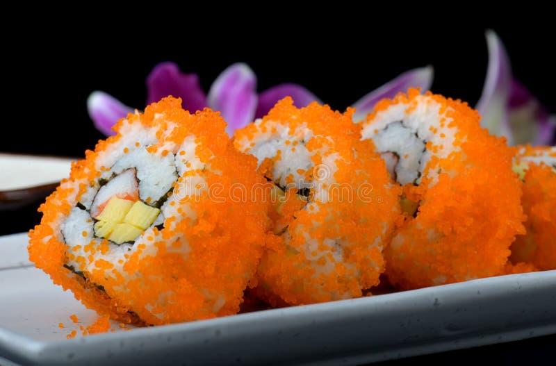 Kalifornien-Rolle oder japanische Sushirolle lizenzfreie stockfotografie