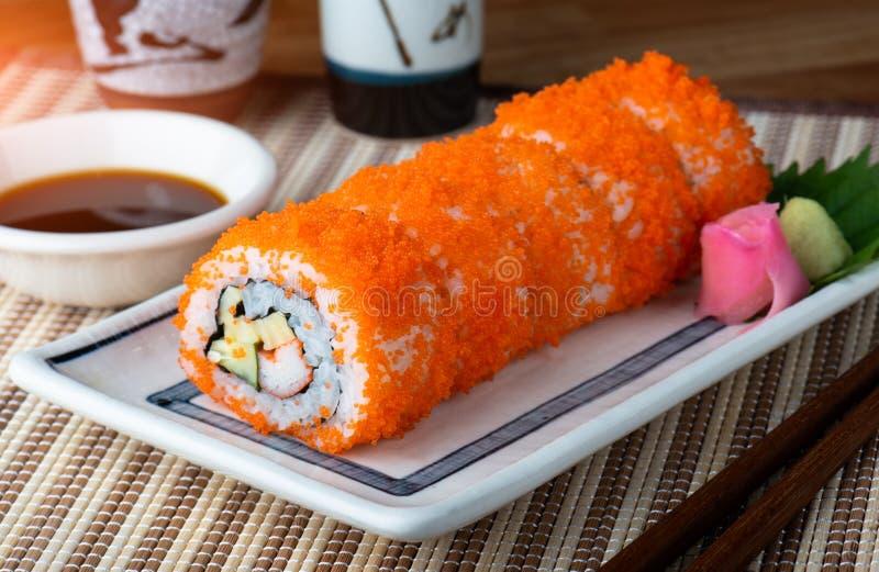 Kalifornien-Sushi rollen Ausschnitt lizenzfreie stockfotografie