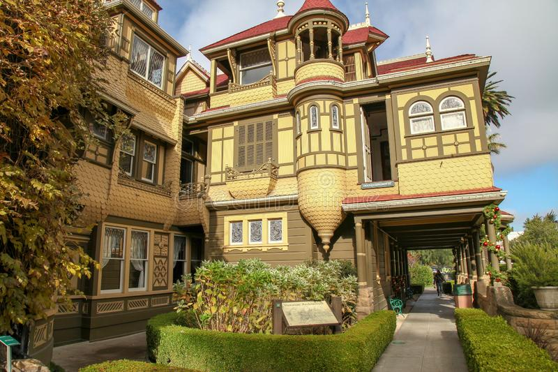 Kalifornien USA-December 12,2018: Det Winchester huset är spökehuset som är mest berömd i Kalifornien arkivbild
