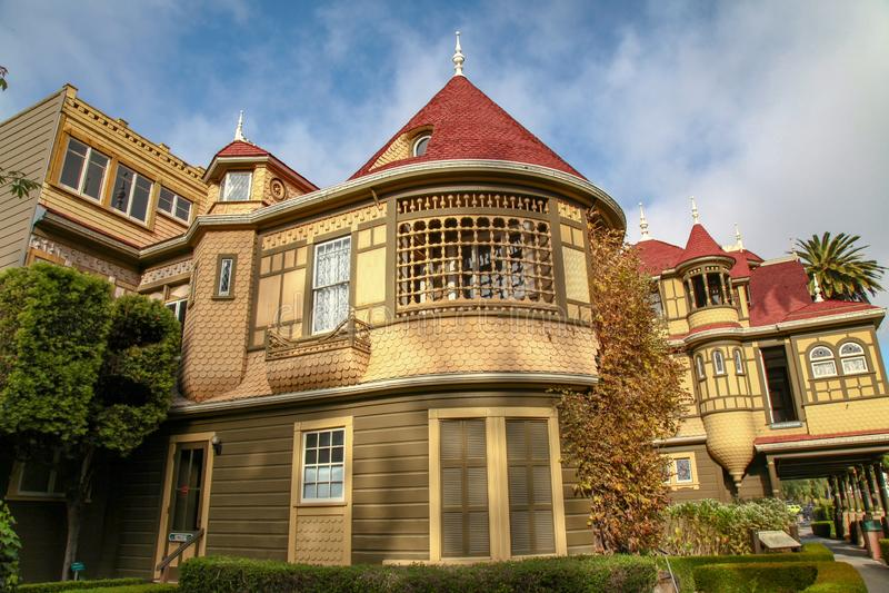 Kalifornien USA-December 12,2018: Det Winchester huset är spökehuset som är mest berömd i Kalifornien royaltyfri bild