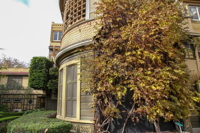 Kalifornien USA-December 12,2018: Det Winchester huset är spökehuset som är mest berömd i Kalifornien fotografering för bildbyråer