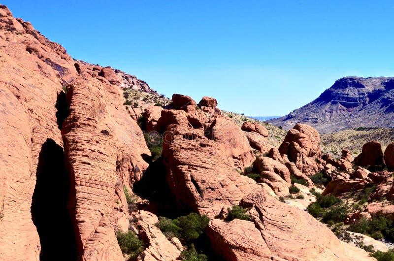 Kalikåbehållare som är röda vaggar naturvårdsområde, sydliga Nevada, USA fotografering för bildbyråer