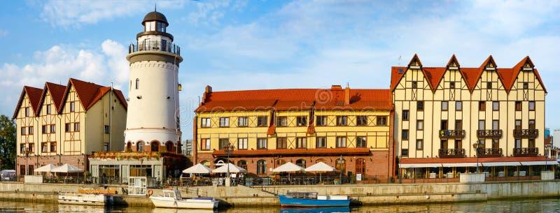 Kaliningrad, der Damm des Flusses gelieren stockfotografie
