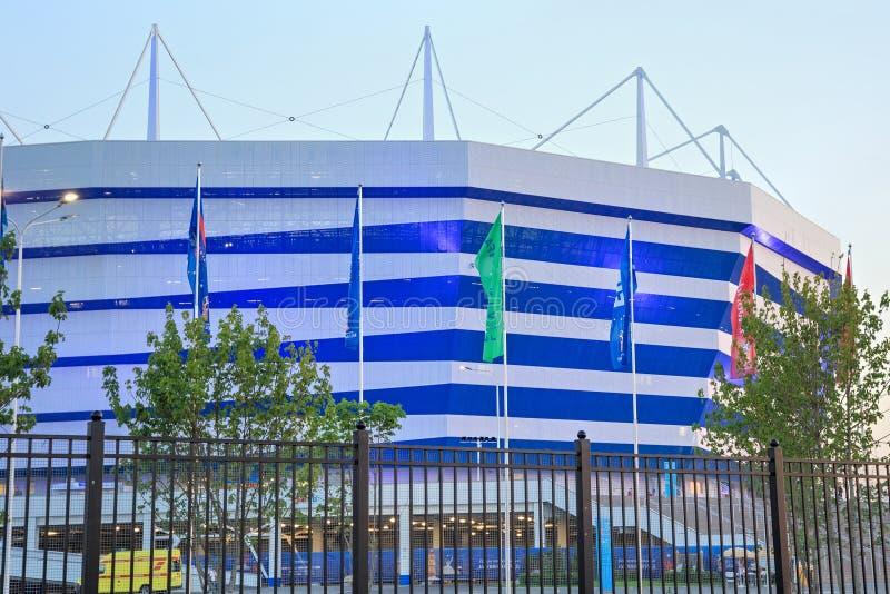 KALININGRAD, RÚSSIA - 16 DE JUNHO DE 2018: A ideia da noite do estádio de futebol moderno de Kaliningrad igualmente chamou Arena  foto de stock
