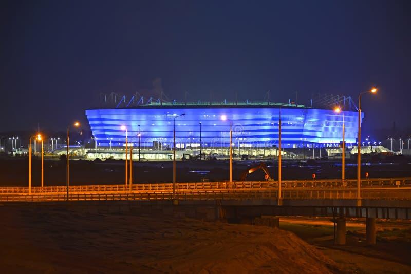 Kaliningrad, Rússia Iluminação de noite do estádio Báltico da arena para guardar jogos do campeonato do mundo de FIFA de 2018 fotografia de stock royalty free