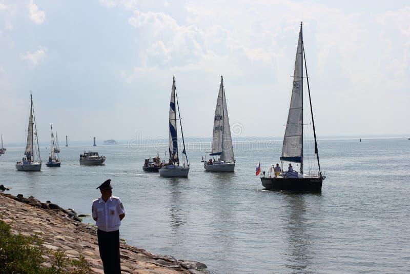 Kaliningrad, R?ssia - 29 de junho de 2018: Dia da marinha do russo Parada naval nacional na cidade de Baltiysk imagem de stock royalty free
