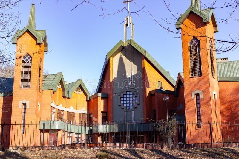 Kaliningrad Rosja, Luty, - 24, 2019: Ewangelicki Luterański kościół rezurekcja przy perspektywą Myra w wiosna dniu zdjęcie stock