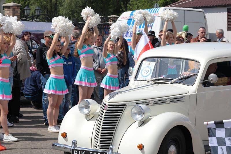 Kaliningrad Rosja, Maj, - 25, 2019: Mi?dzynarodowy festiwal retro samochody Wydarzenie ?Z?ocisty Koenigsberg cie? ? zdjęcia royalty free