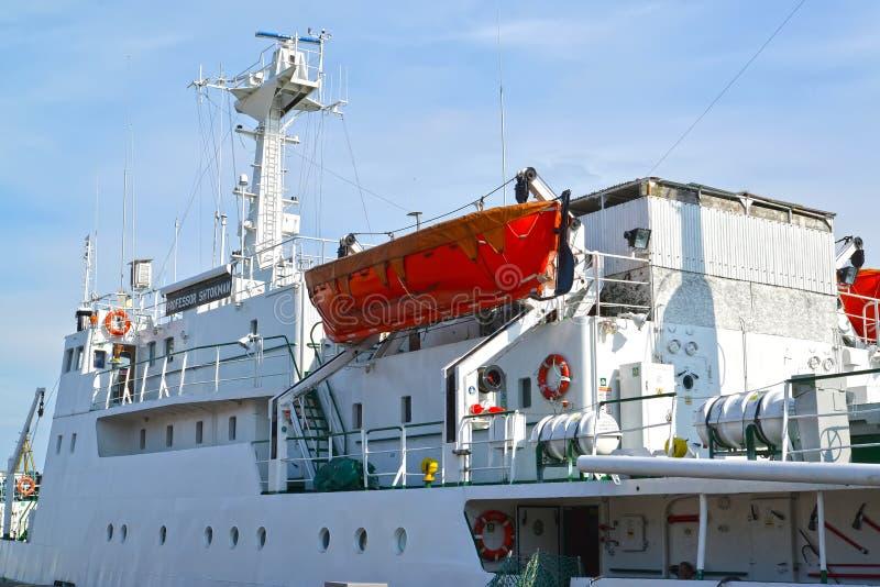Kaliningrad, Russia Sovrastruttura il professor Shtokman di nave oceanografica ? fotografie stock libere da diritti