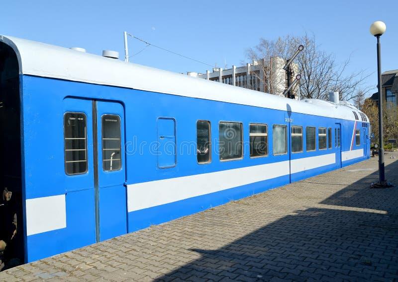 Kaliningrad, Russia Treno diesel dell'automobile di D-1 no 590 serie Museo di storia della ferrovia di Kaliningrad fotografia stock libera da diritti