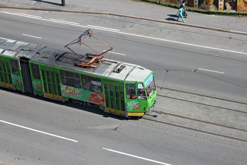 KALININGRAD, RUSSLAND - 21. AUGUST 2011: Tram Tatra KT4 der tschechischen Produktion lizenzfreie stockfotografie