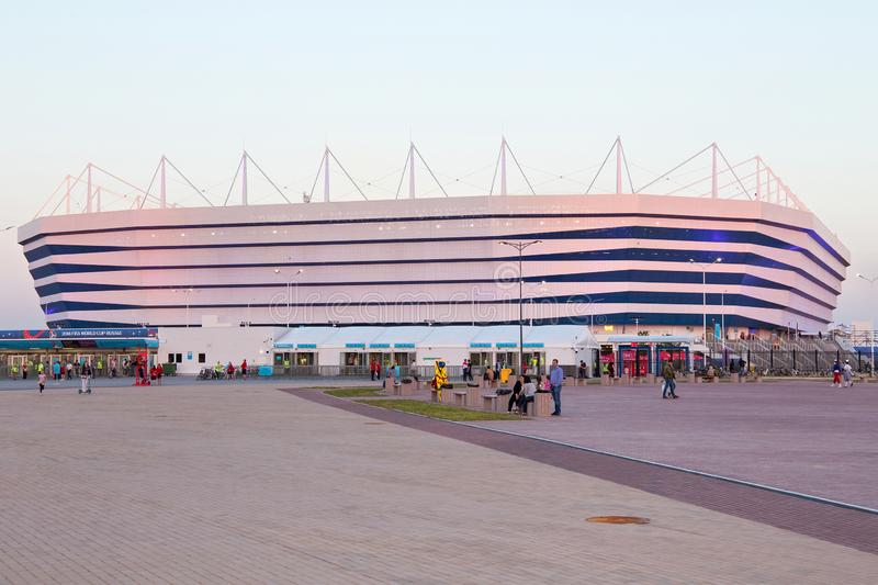KALININGRAD, RUSSLAND - 16. JUNI 2018: Ansicht des modernen Kaliningrad-Fußballstadions rief auch Arena Baltika an stockfotos