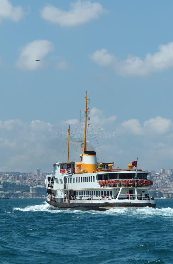 kalkon för fartygbosphorusistanbul passagerare arkivbilder