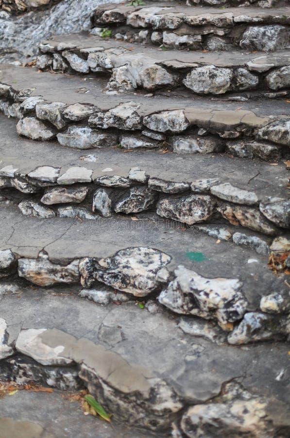 Kalksteenstappen royalty-vrije stock afbeeldingen