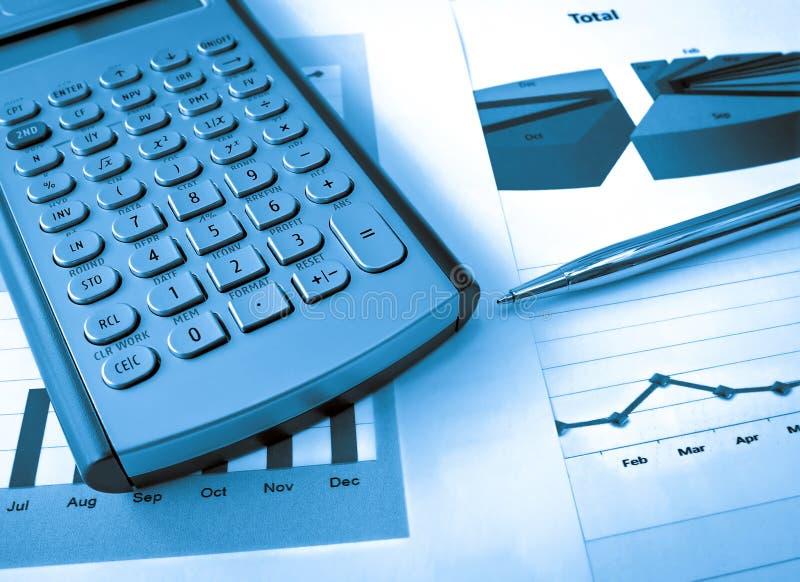 Kalkulator i pióro obrazy stock