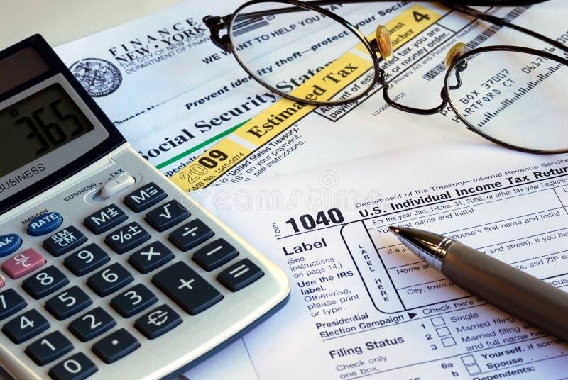kalkuluje dochodu powrotu podatek obraz stock