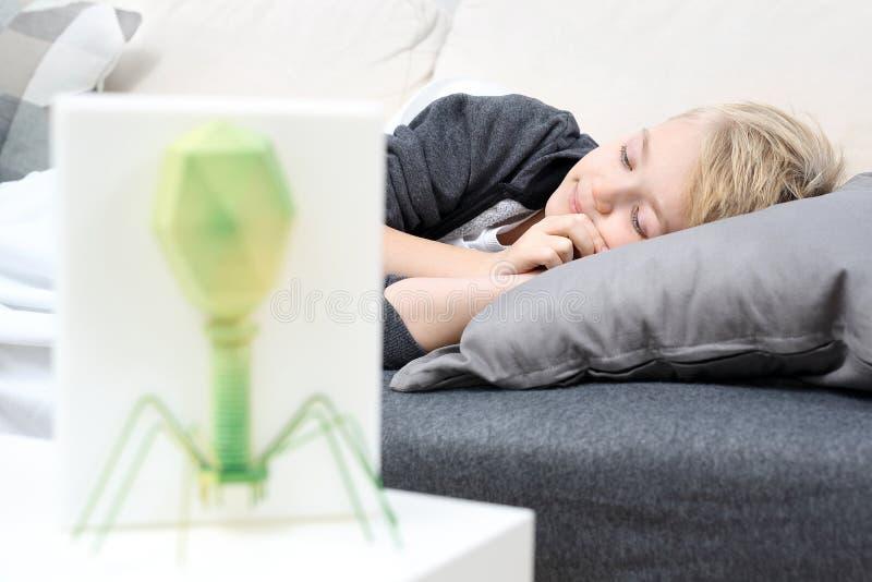 kall influensa Virusattack royaltyfri bild
