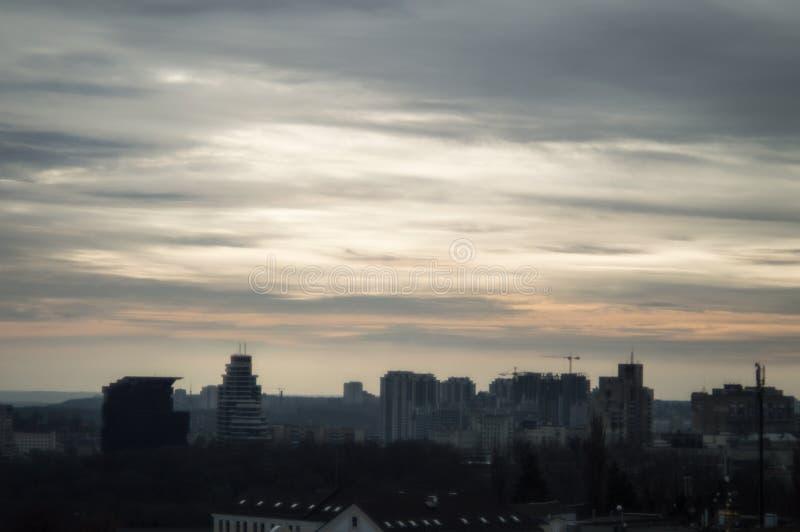 Kall solnedgång på Kiev arkivbild
