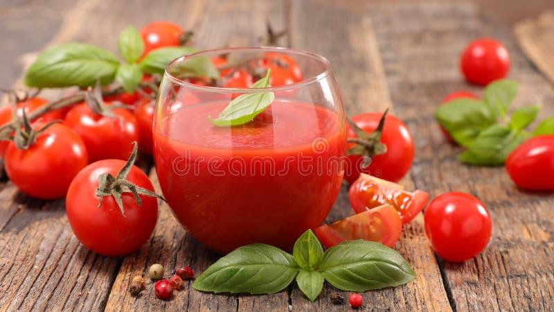 Kall tomatsoppa, gazpacho royaltyfria foton