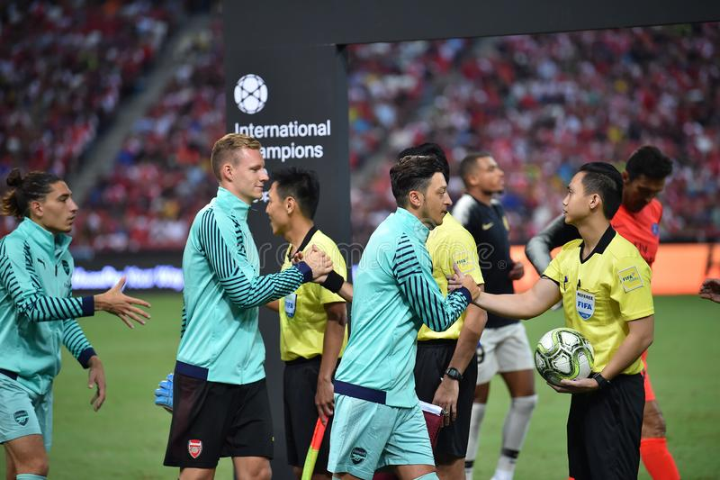 Kallang-Singapore-28Jul2018: Mesut Ozil 10 Speler van arsenaal binnen royalty-vrije stock afbeelding