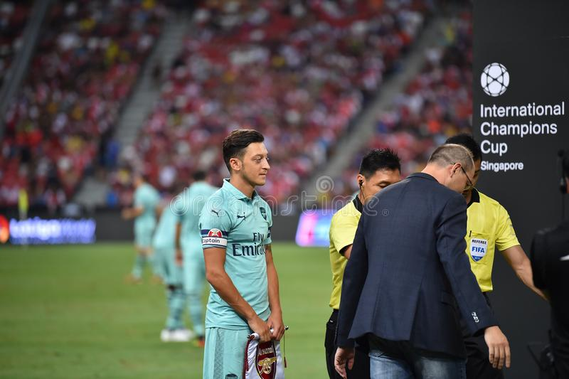 Kallang-Singapur 28 de julio de 2018: Jugador de Mesut Ozil 10 del arsenal adentro imagenes de archivo