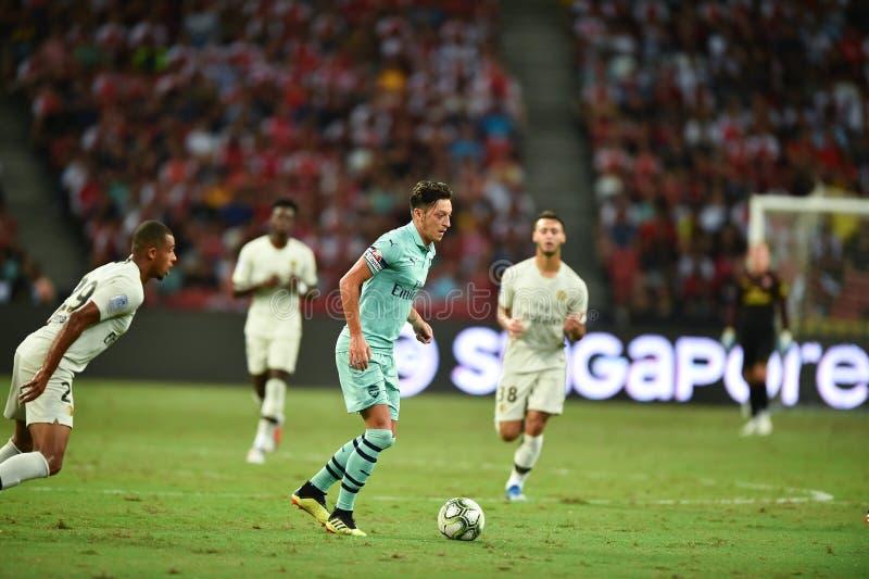 Kallang-Singapur 28 de julio de 2018: Jugador de Mesut Ozil 10 del arsenal adentro imagen de archivo
