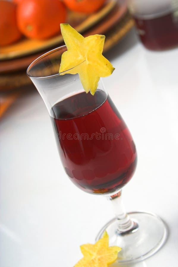kallare rött vin arkivfoto