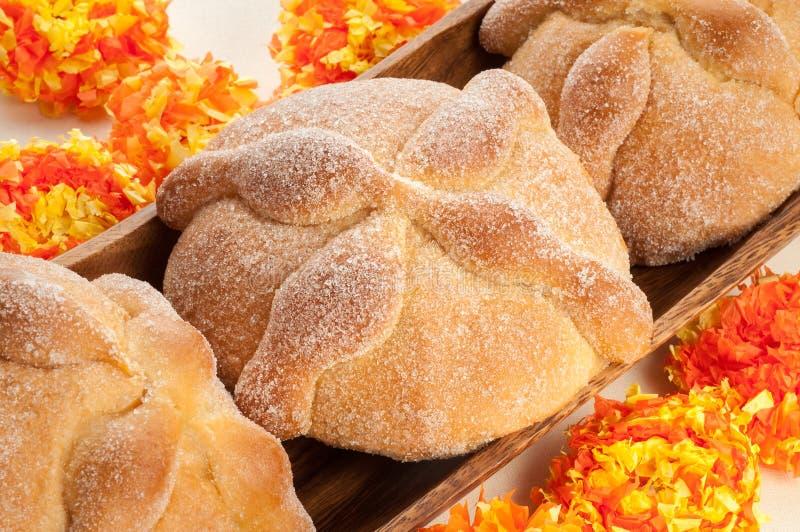 Kallat sött bröd (Pan de Muerto) royaltyfria bilder