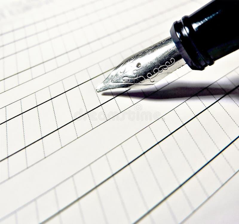 Kalligraphischer Füllfederhalter lizenzfreies stockbild