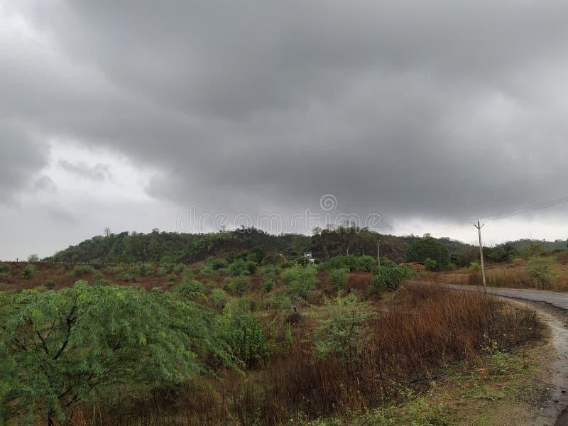 Kallt regnigt väder arkivbild