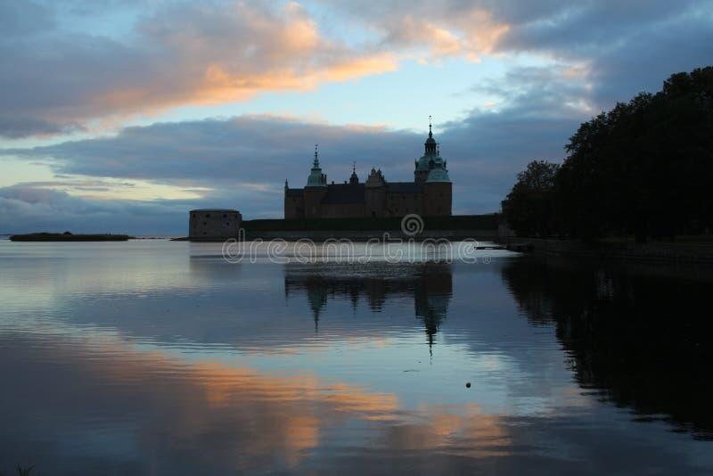 Kalmar-Schloss bei Sonnenuntergang stockfotografie