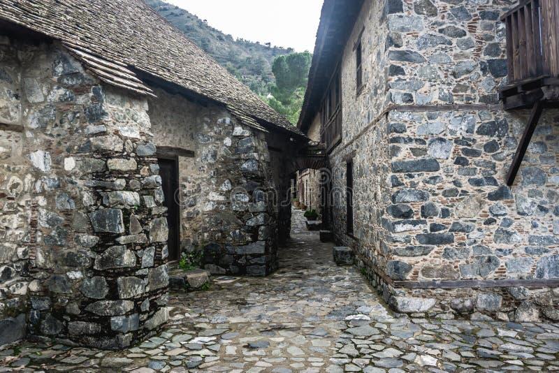 Kalopanagiotis, distretto di Nicosia/Cipro - febbraio 2019: Agios Ioannis Lampadistis Monastery al villaggio di Kalopanagiotis fotografie stock