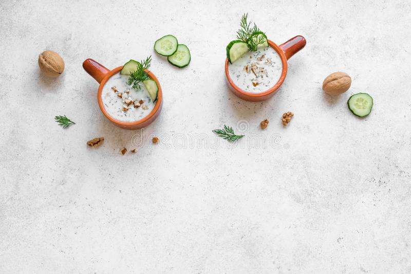 Kalte Jogurtsuppe stockbilder
