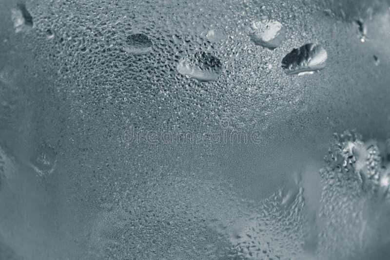 Kalter Dampf der Nahaufnahme auf Wasserglas lizenzfreie stockfotografie