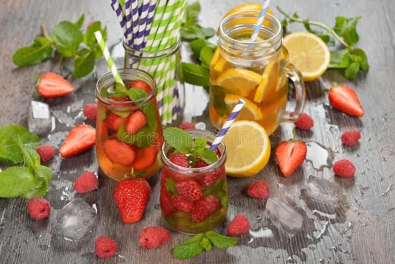 Kalter Fruchttee stockbilder