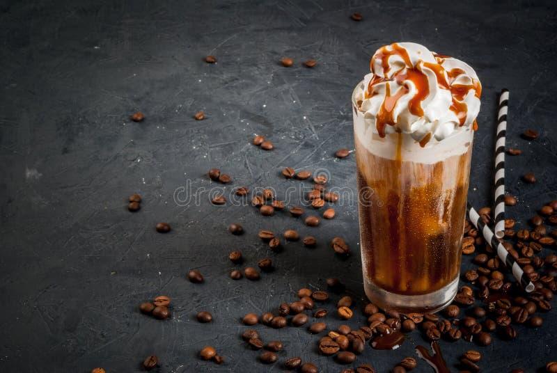 Kaltes Kaffeegetränk frappe frappuccino stockfoto