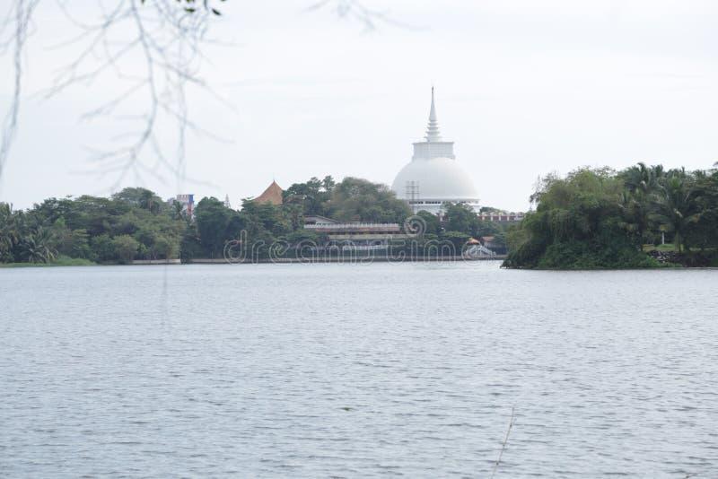 Kalutara buddistisk tempel arkivbild