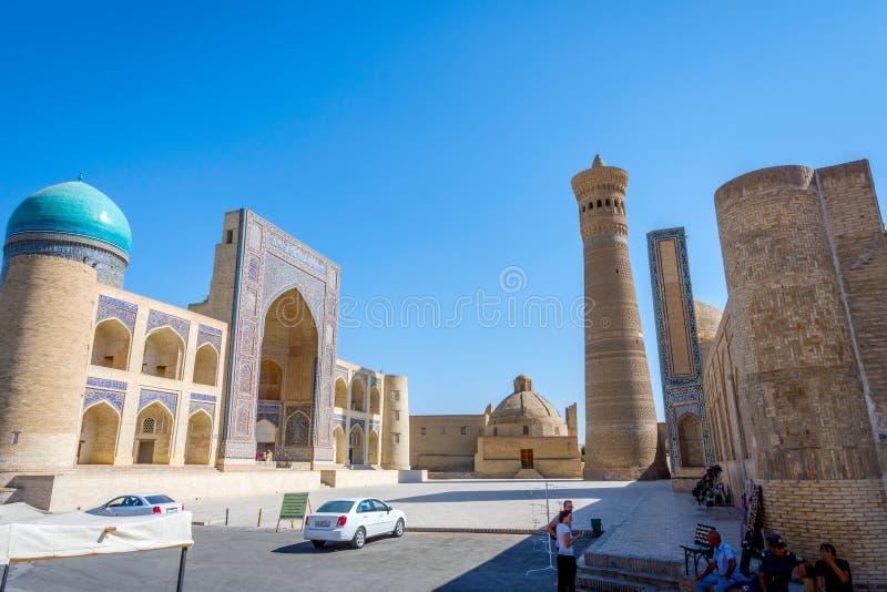 Kalyan minaret och arabmoské för Mir I, Bukhara royaltyfria bilder